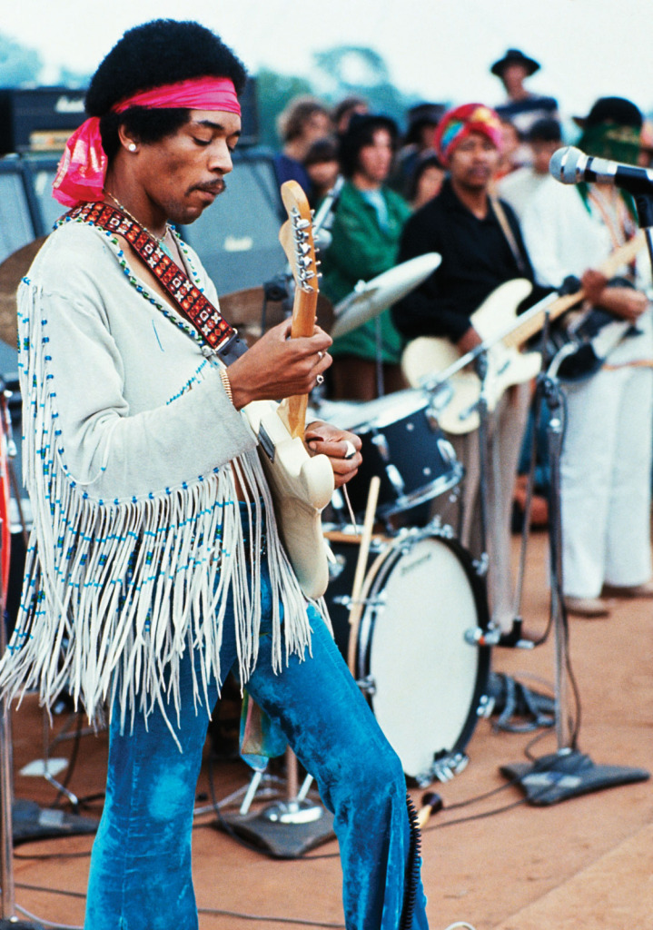 Jimi-Hendrix-live-at-Woodstock-15-18-August-1969-719x1024